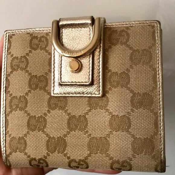 0efc587a0f5f Gucci Handbags - Gucci GG D-ring wallet